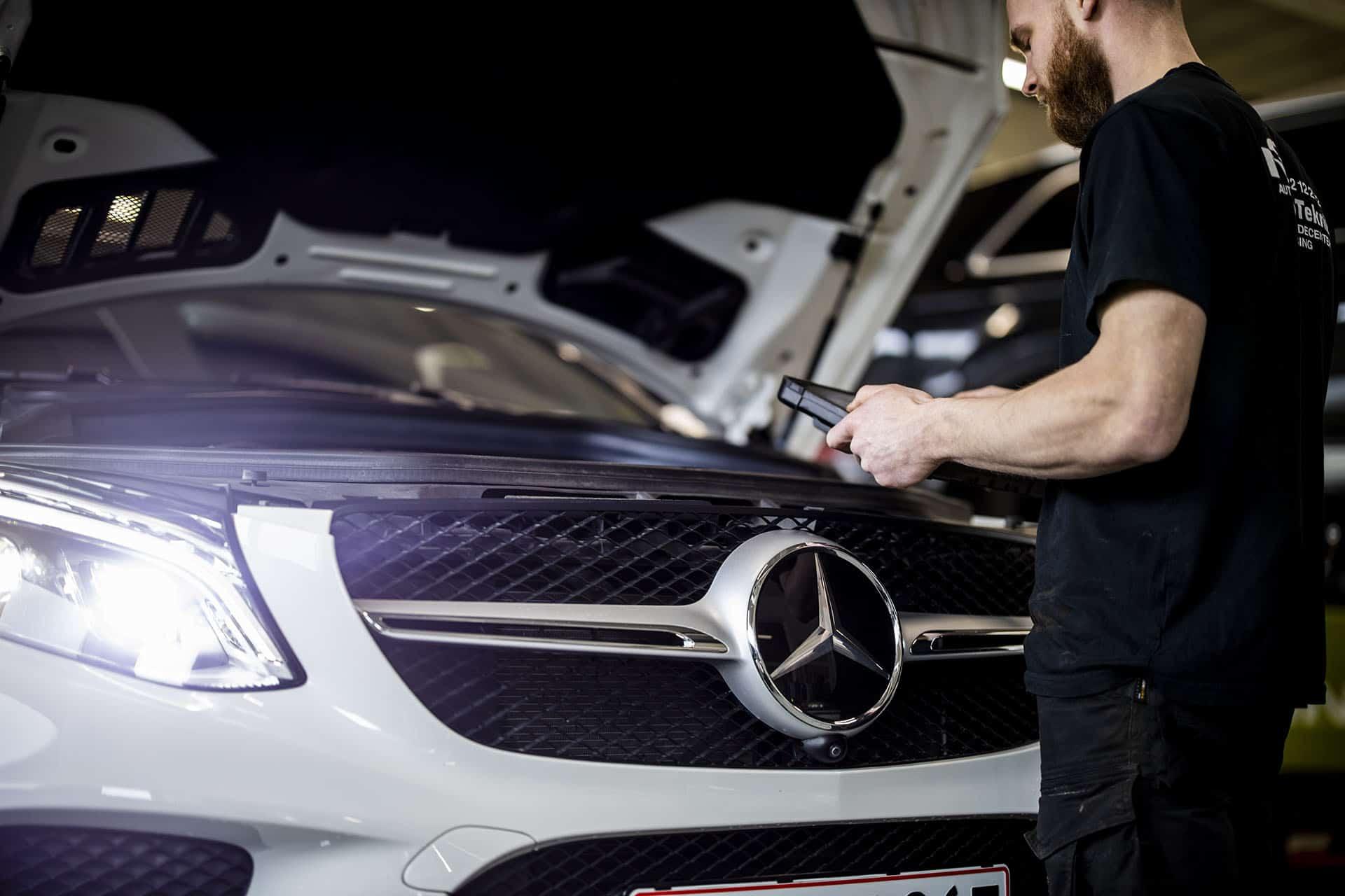 Test ved autoservice af bil